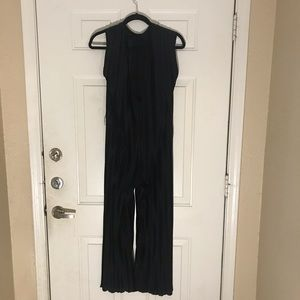 Zara Jumpsuit Black and Pleated No tag fo size